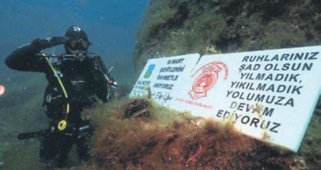 İtfaiyeciler 18 Mart için 18 metreye daldı