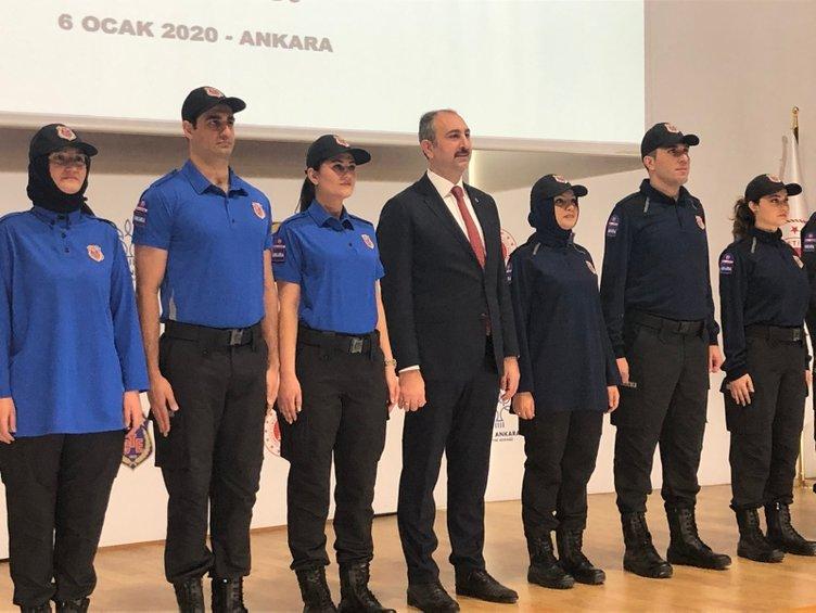Bakan Gül, infaz koruma memurlarının yeni kıyafetlerini tanıttı