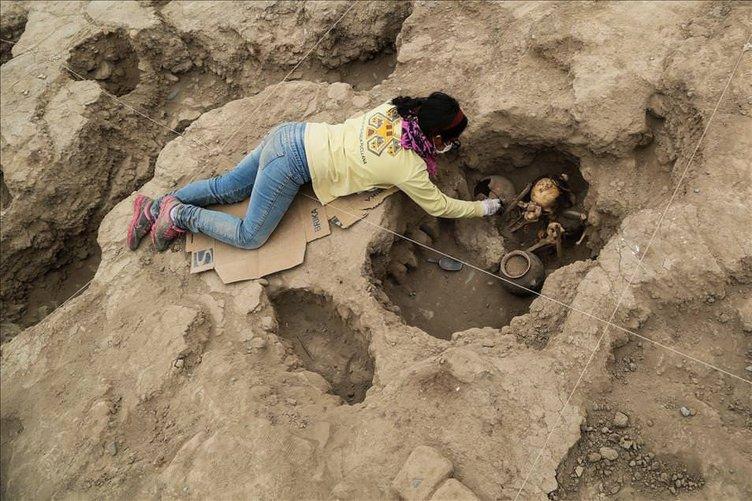 Peru'da 1000 yıllık mezarlar bulundu