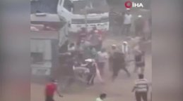 Fas'ta kurban pazarında koyunlar yağmalandı | Video