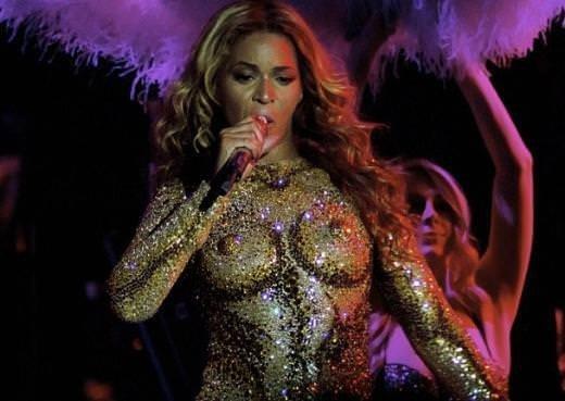 Beyonce'nin turne kıyafeti olay yarattı
