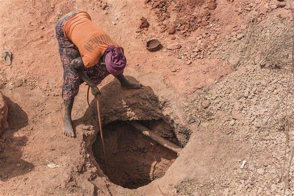 İşçiler altın avında