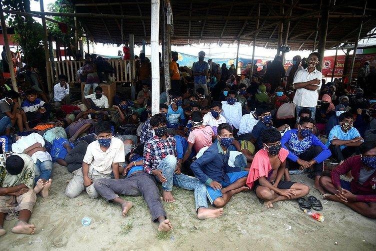Myanmarlı askerler vahşeti itiraf etti! Kadınlara tecavüz edilirken nöbet tuttum