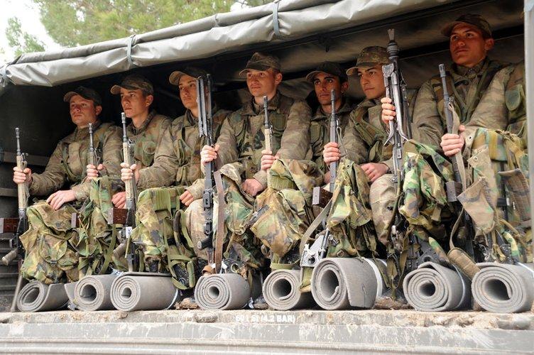 Askerlerin zorlu eğitimi!