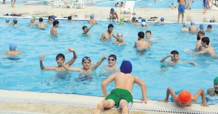 Havuzlarda yaz yoğunluğu