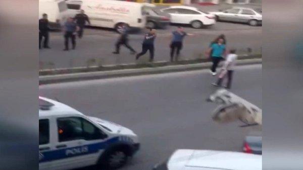 Kayseri'de 19 Mayıs'ta balkonuna İngiliz bayrağı havlusu asan yabancı uyruklu şahıs böyle gözaltına alındı | Video