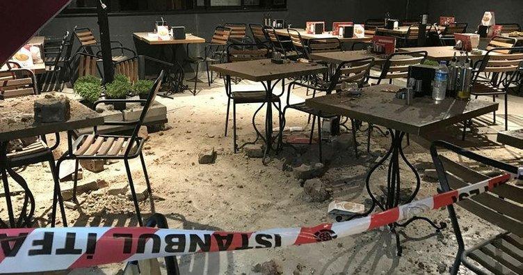 Tarihi binanın duvarı çöktü, 4 kadın yaralandı