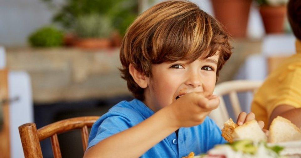 Çocukların bağışıklığını güçlendirmek için paketli ürünlerden uzak tutun