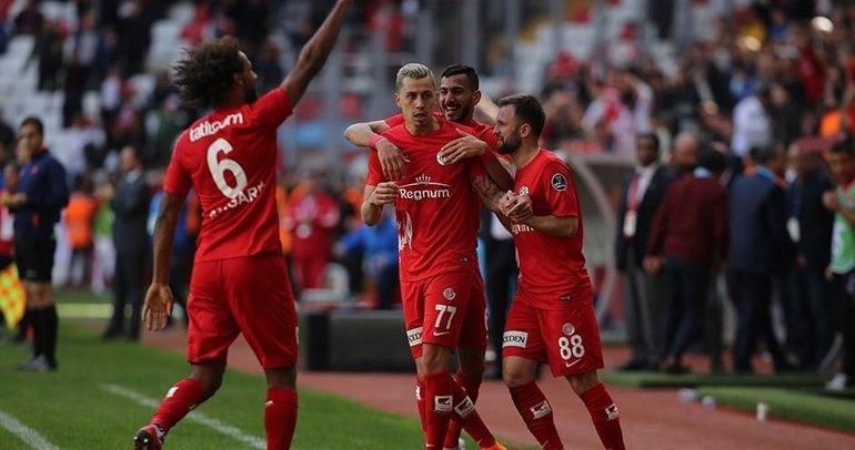 Antalyaspor son nefeste kazandı
