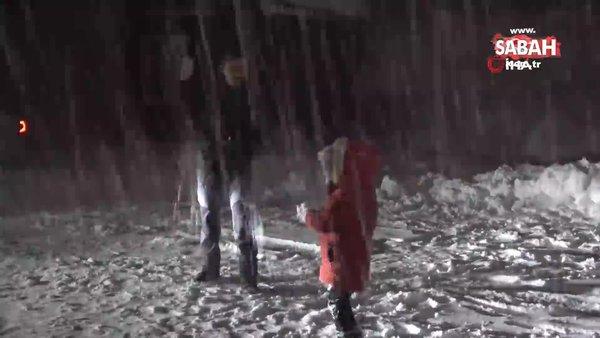 Uludağ'da kar yarım metreyi aştı | Video