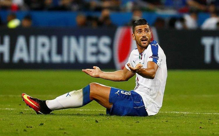 Beşiktaş, Gomez'in yerine Pelle'yi alıyor!