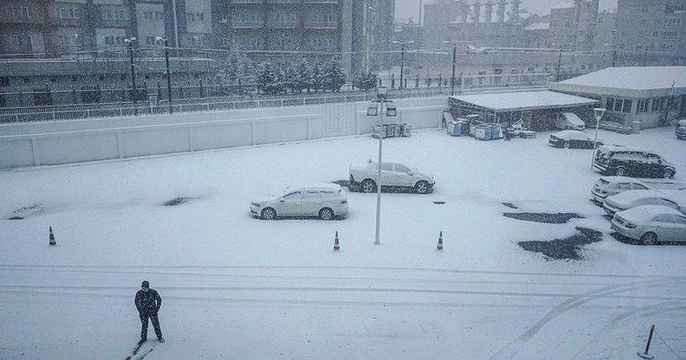 Son dakika... İstanbul'da kar yağışı yeniden başladı: İşe gideceklere uyarı