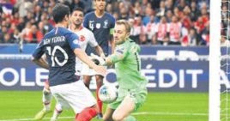 Merih ve Mert UEFA'nın 11'inde