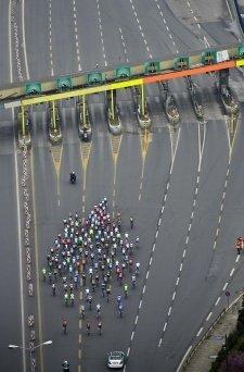Bisikletçiler boğaz köprüsünden böyle geçtiler