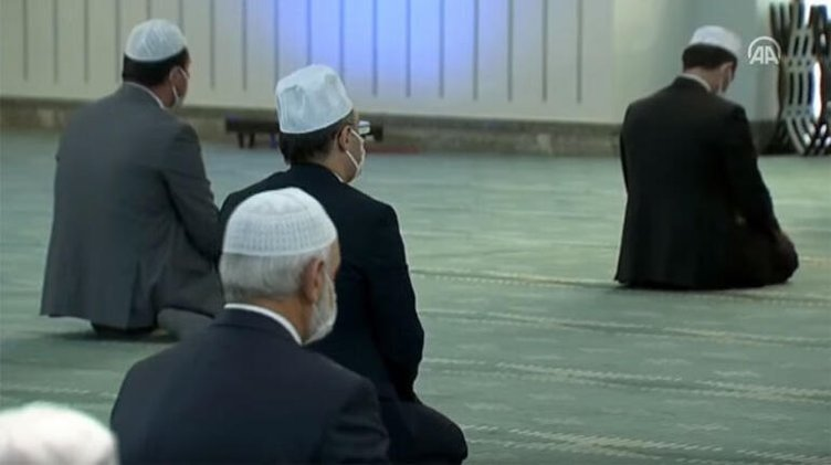Son dakika! Diyanet İşleri Başkanı Ali Erbaş Cuma hutbesinde Türkiye'ye seslendi: Tedbiri elden bırakmayalım!