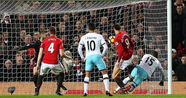 Manchester United sahasında galibiyeti unuttu