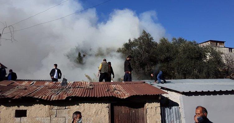 Adana'da evde çıkan yangın, çevredeki binalara da sıçradı