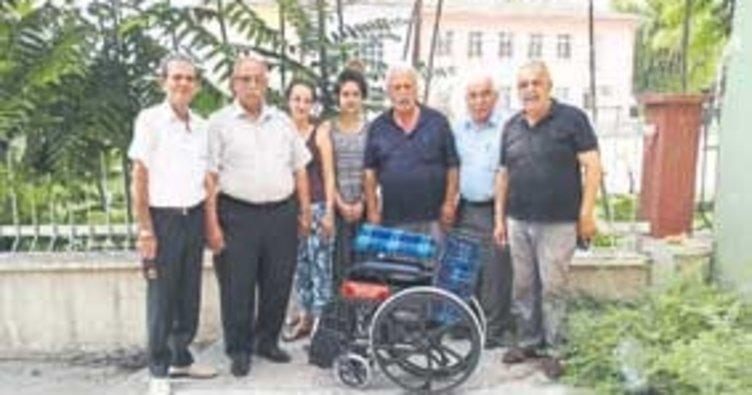 TÜED, tekerlekli sandalye dağıttı