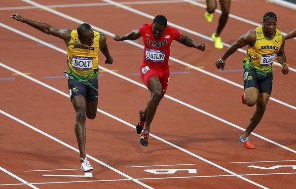 Usain Bolt  Olimpiyat rekoru kırdı