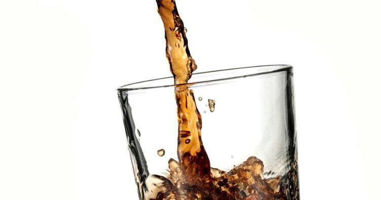 İngiltere, hastanelerde şekerli içecek satışını yasaklayacak