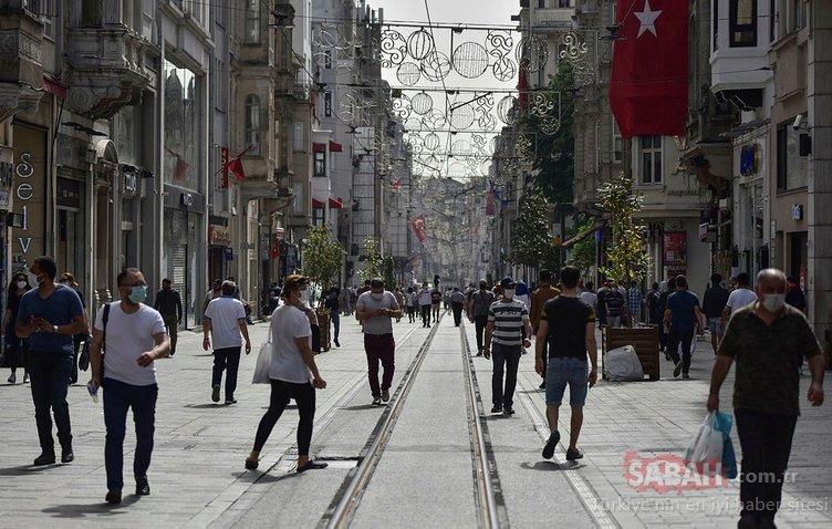 İstiklal Caddesi'ndeki kalabalık eski günleri aratmadı