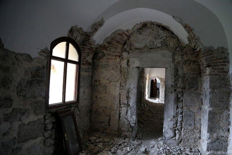 Tarihi cami ihtişamına kavuşuyor