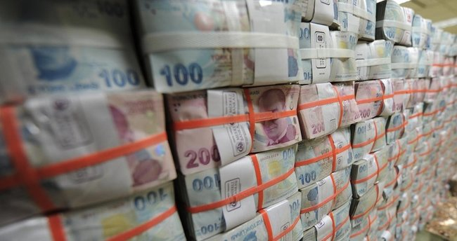 Bütçe ağustosta 3,6 milyar TL fazla verdi