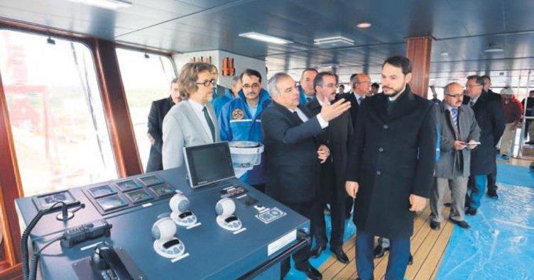 Oruç Reis Akdeniz'e iniyor