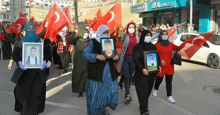 Şırnak Anneleri 'Vatan bölünmez' diye HDP'yi inletti