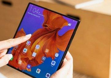Huawei Mate X sahipleri telefonlarından memnun
