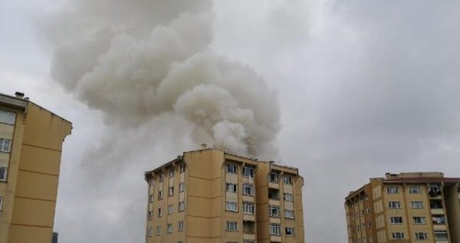 Son dakika: İstanbul Başakşehir'de yangın: Ekipler müdahale ediyor!