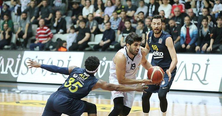 Beşiktaş Sompo Sigorta: 73 - Fenerbahçe Beko: 74