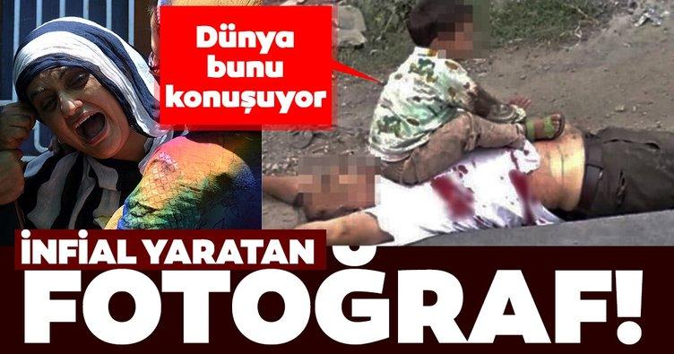 Sosyal medyayı ayağa kaldıran fotoğraf! Keşmir'de öldürülen dedesinin göğsünün üzerine oturan 3 yaşındaki çocuk ...