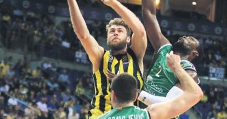 Fenerbahçe Doğuş'a nazar boncuğu