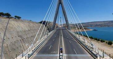 Eyfel Kulesi'ndeki kadar çelik kullanıldı... O yol 60 km kısaldı!