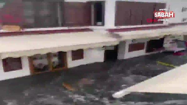 İzmir Seferihisar'da deprem sonrası masa ve sandayeler böyle sürüklendi   Video