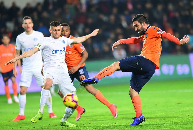 Son dakika Galatasaray transfer haberleri! Arda Turan, Galatasaray'a...