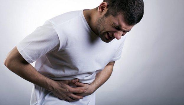 Acı yemek hemoroide neden olur mu?