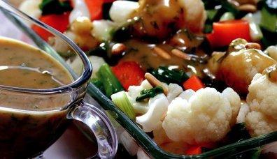 Tahinli Karnabahar Salatası