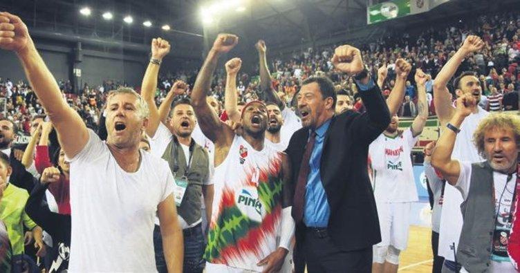 Karşıyaka, Fenerbahçe'yi eli boş gönderdi