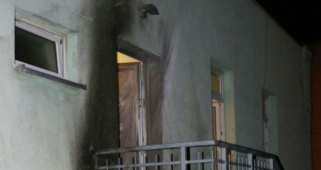 Almanya'da camiye ve kongre merkezine patlayıcı atıldı