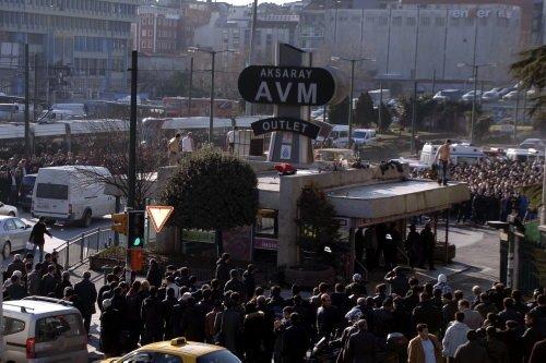 Aksaray'da seyyar satıcılar ortalığı birbirine kattı
