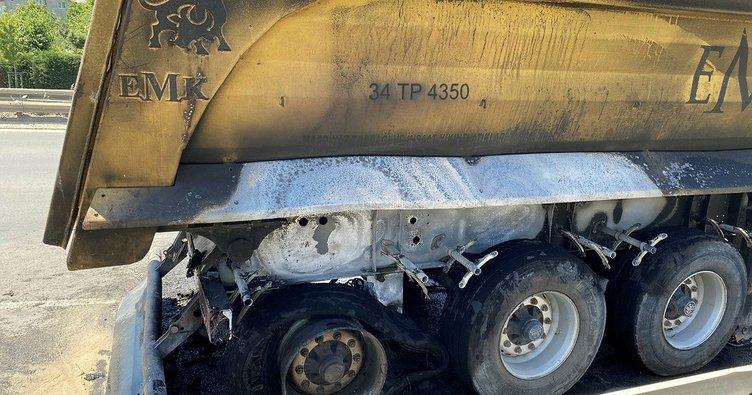 Çekmeköy'de yol üzerinde bir hafriyat kamyonunun yandığı iddia edildi!