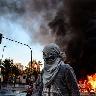 Şili'de müzik festivali protestoları ateşledi. Göstericiler Ricky Martin'in kaldığı oteli yakmaya çalıştı