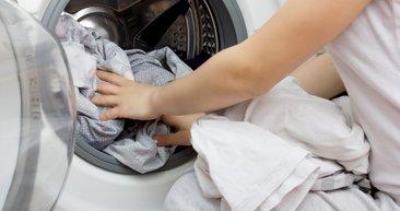 Çamaşır makinenizin içine alüminyum folyo atın sonuç inanılmaz!