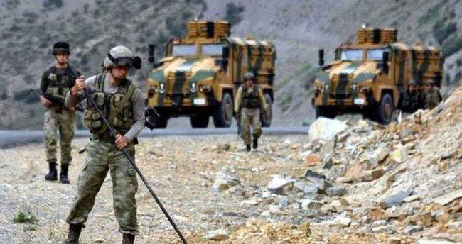 Şemdinli'de teröristlerden havanlı saldırı