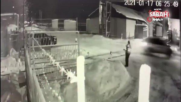 Rusya'da hızla giden araç demiryolu işçisine çarptı: 1 ölü   Video
