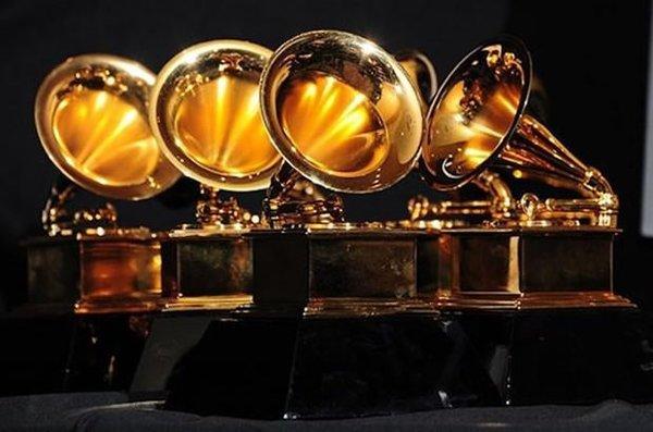 2017 Grammy ödülleri sahiplerini buldu