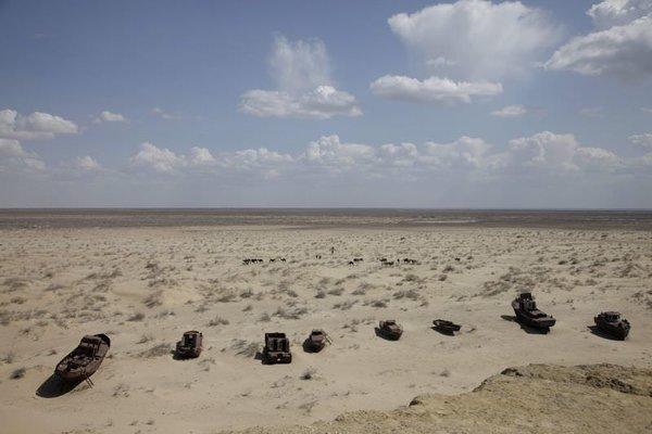Aral Gölü kurudu...