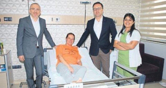 Dubai'den İzmir'e sağlık için uçtu